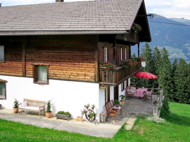 Ferienhaus Luxner (KAB134) in Kaltenbach - 8 Personen, 4 Schlafzimmer, holiday rental in Kaltenbach