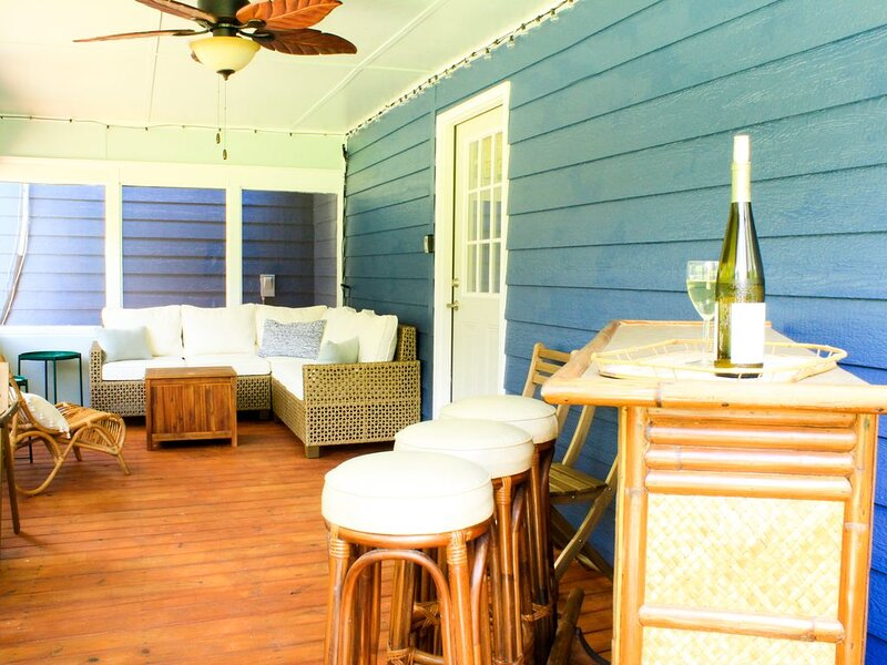Spacious and stylish downtown home, your hub to explore the low country, holiday rental in St. Marys