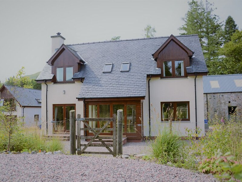 Shepherds Rest self catering sleeps 6, pets welcome., Ferienwohnung in Fort William