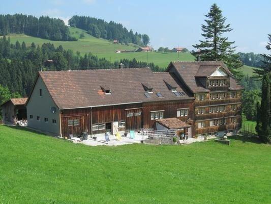 Ferienwohnung Hundwil für 1 - 8 Personen mit 4 Schlafzimmern - Ferienwohnung in, holiday rental in Appenzell