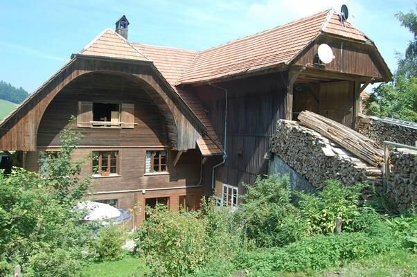 Ferienwohnung Gasel für 4 - 6 Personen mit 2 Schlafzimmern - Bauernhaus, vacation rental in Utzigen