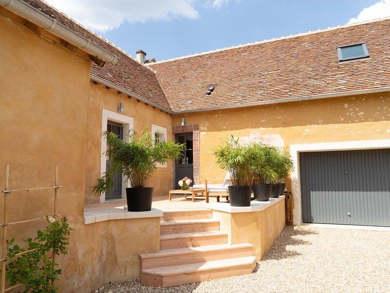 maison pleine de charme, au calme, au coeur du parc du Perche, 50m de la foret, holiday rental in Saint-Germain-des-Grois