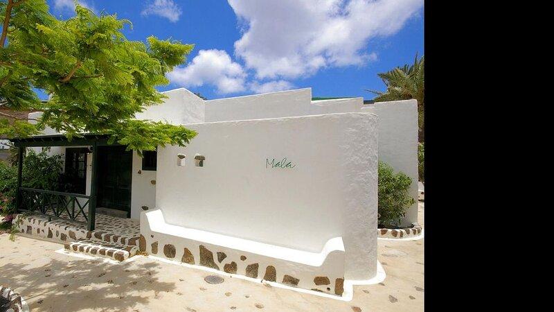 Villa Finca la Crucita 2 habitaciones type 1, holiday rental in Haria
