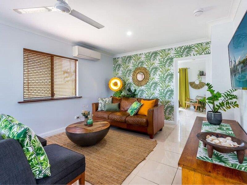 House Tropicana · House Tropicana - Stunning 5BR Queenslander, aluguéis de temporada em Cairns