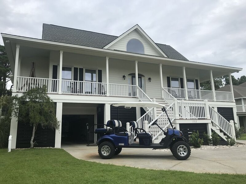 Limo golf cart w/ seat belts, Across from beach, Bikes, fishing equip, ping pong, holiday rental in Saint Helena Island