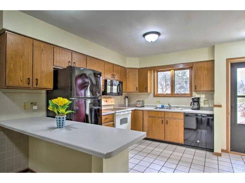 Spacious Private Condo Full Kitchen, alquiler vacacional en Merrimac