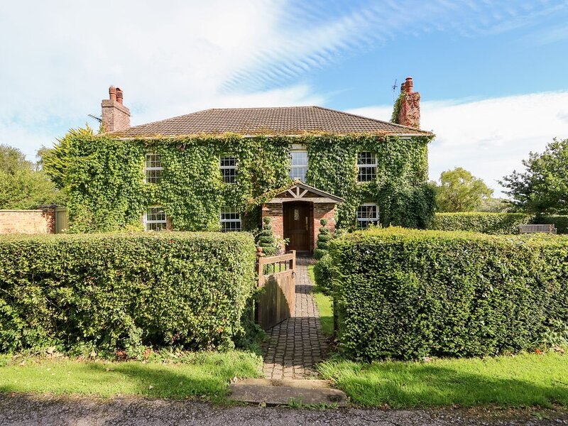 The Farmhouse, BURGH LE MARSH, casa vacanza a Raithby