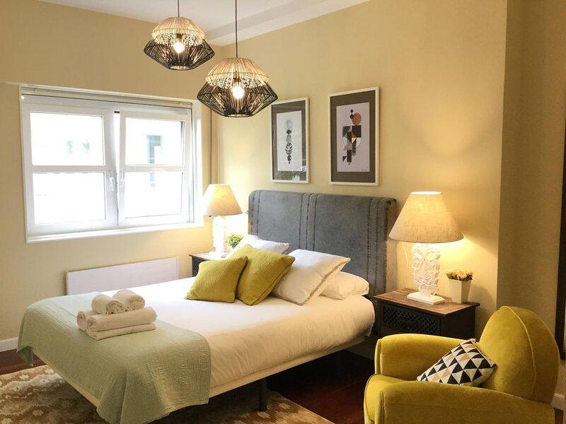 Heros by Forever Rentals Apartamento de 2dormitorios con aire acondicionado Wifi, vacation rental in Bilbao
