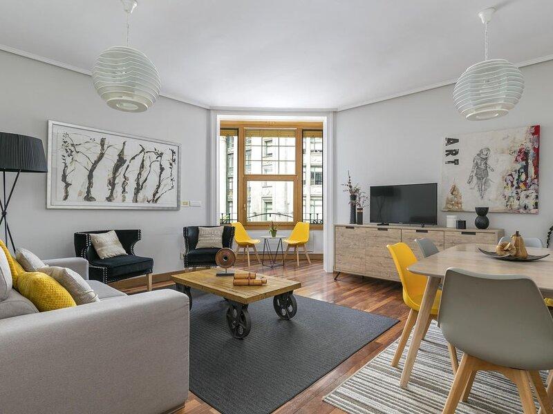 Gran Via 3 by Forever Rentals Apartamento de 3 dormitorios. Wifi. Abando. Grupos, aluguéis de temporada em Derio