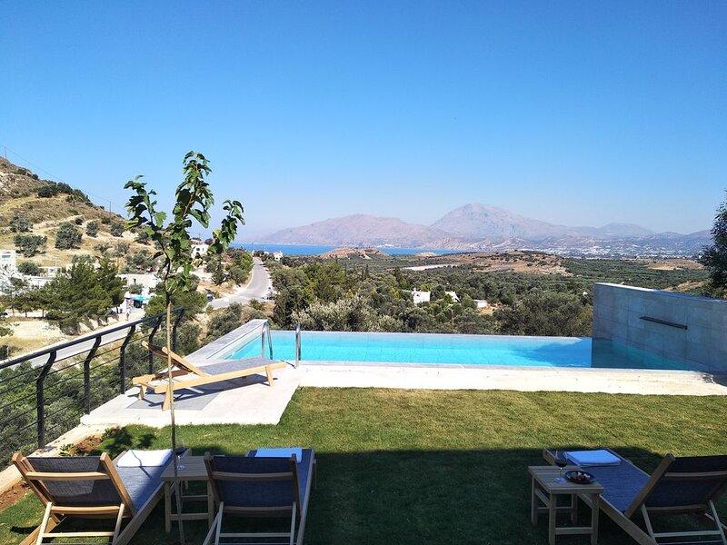 open sky villa Kamilari-infinity pool, vacation rental in Vori