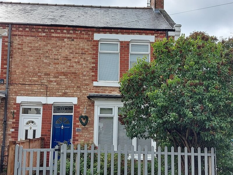 2 bedroom cottage in Great Ayton near Roseberry Topping, North York Moors, Coast, location de vacances à Hutton Rudby