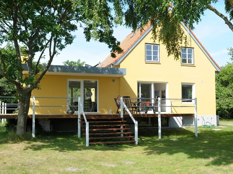Modern Holiday Home in Rømø with Whirlpool, location de vacances à Toender