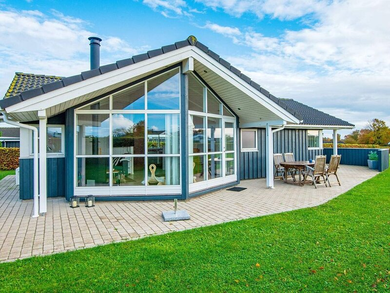 Quaint Holiday Home in  Haderslev with Whirlpool, Ferienwohnung in Arosund