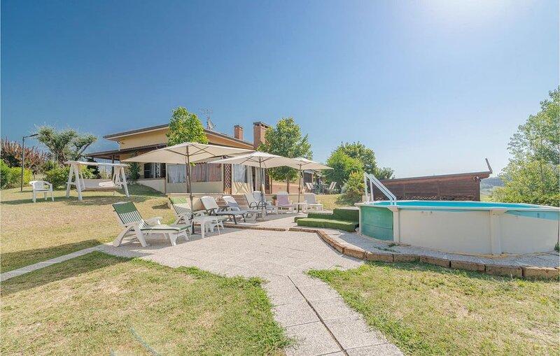 2 Zimmer Unterkunft in Tavullia -PU-, vacation rental in Peglio