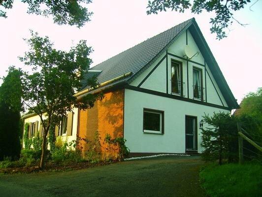 Ferienwohnung Marsberg für 1 - 3 Personen mit 2 Schlafzimmern - Ferienwohnung, vacation rental in Marsberg