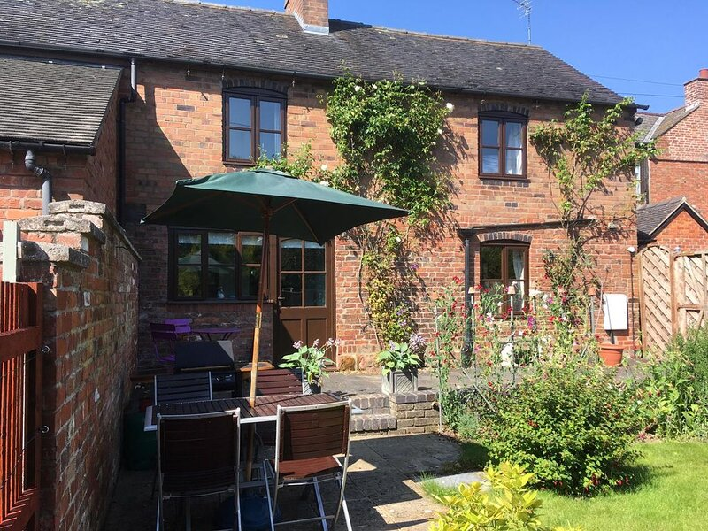 Character cottage, holiday rental in Burlton