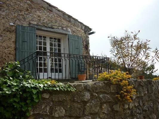 Ferienhaus Gigondas für 4 - 6 Personen mit 2 Schlafzimmern - Ferienhaus, location de vacances à Violes