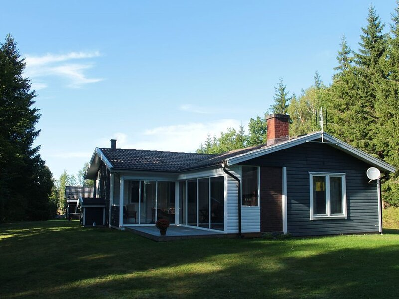 Private summer house with a big garden! – semesterbostad i Ljungby