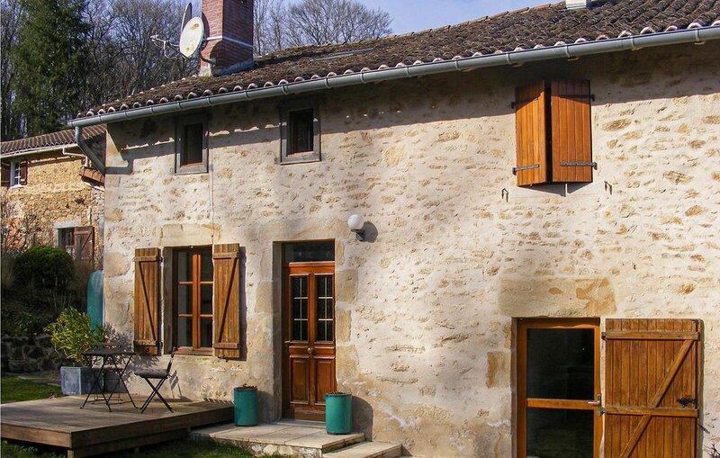 2 Zimmer Unterkunft in Nantiat, location de vacances à Saint-Leger-la-Montagne
