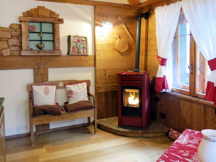 Ferienwohnung La Tata (VOU120) in Valtournenche - 4 Personen, 2 Schlafzimmer, holiday rental in Valtournenche