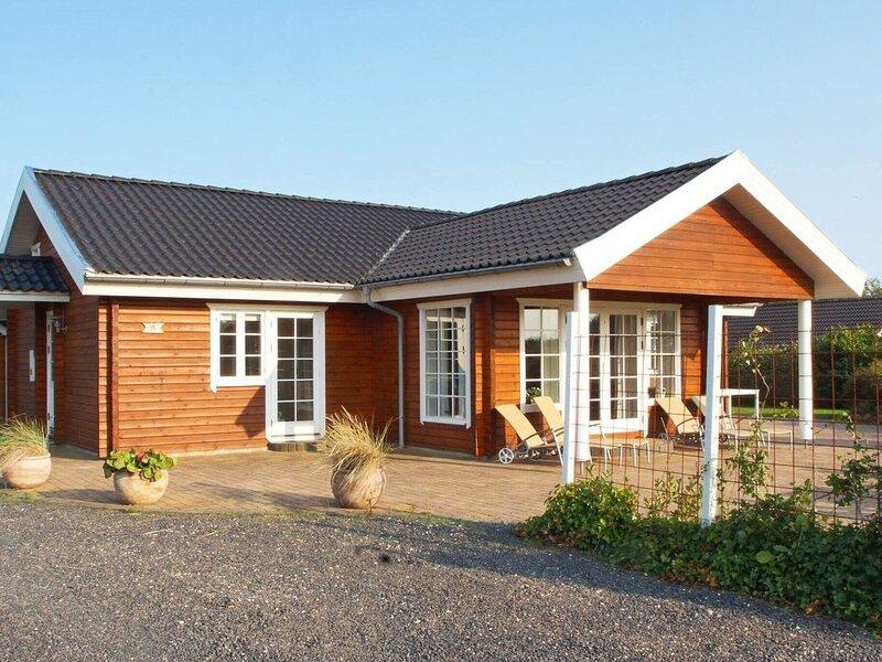 Serene Holiday Home in Hemmet with Sauna, Ferienwohnung in Noerre Nebel