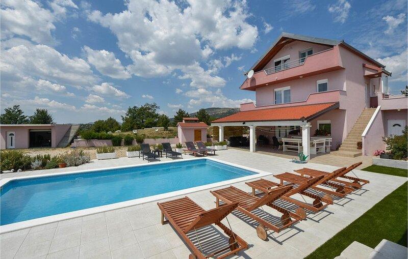 5 Zimmer Unterkunft in Neoric, casa vacanza a Hrvace