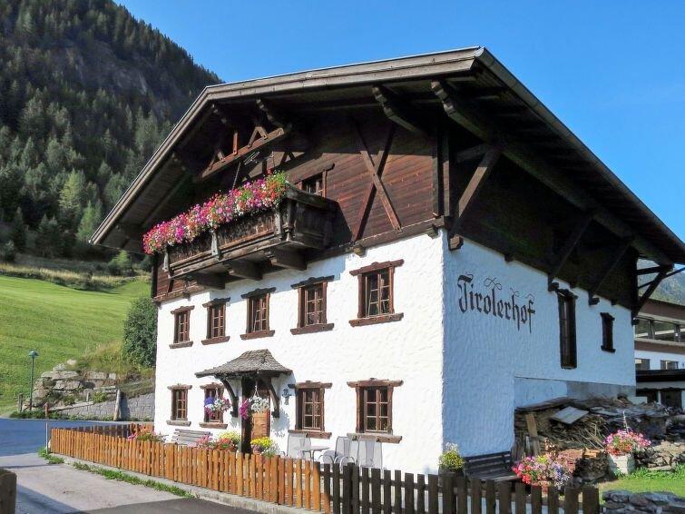 Ferienwohnung Tirolerhof (NIT135) in Umhausen - 8 Personen, 3 Schlafzimmer, holiday rental in Niederthai