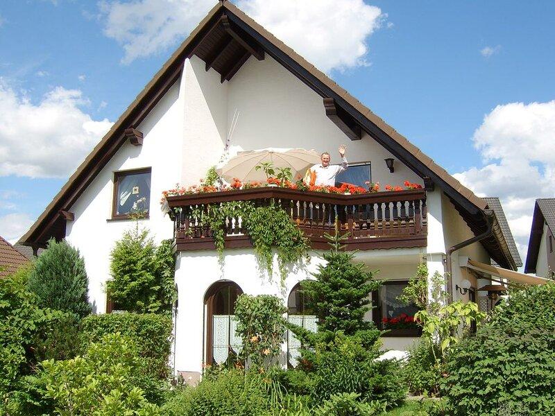 Ferienwohnung mit Internetzugang und nur 800 m vom Skilift, vacation rental in Eibenstock