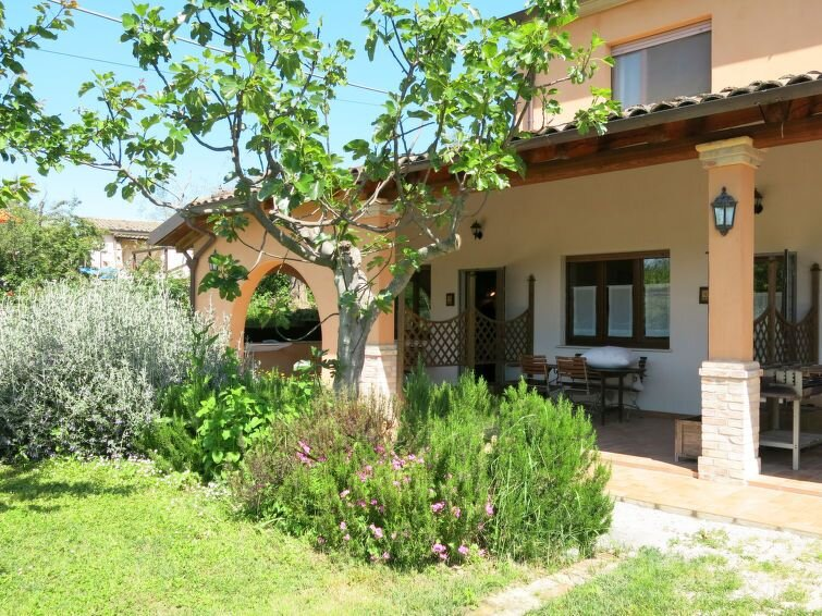 Apartment Villa Elster  in Collecorvino, Abruzzo - 4 persons, 1 bedroom, vakantiewoning in Picciano