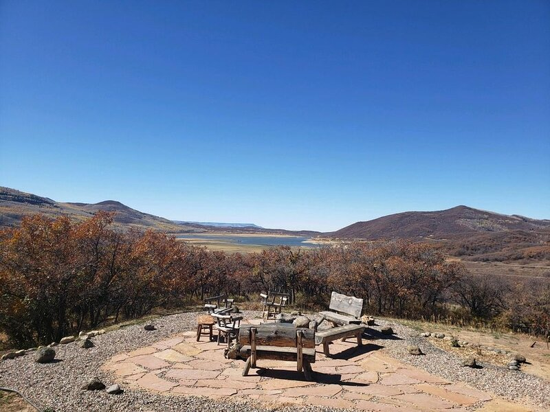 Vega lake Retreat - a unique mountain escape with all four seasons!, holiday rental in Collbran