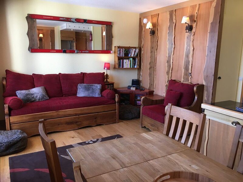 Domino Apartment Sleeps 6 - Les Coches/La Plagne, vacation rental in Les Coches