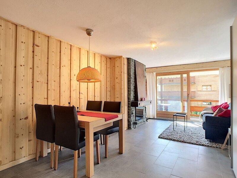 Large studio, near center, balcony, south view, Wifi, location de vacances à Verbier