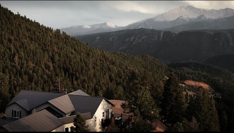 Explore this Mountain Getaway in National Forest. Refresh and Relax., alquiler de vacaciones en Woodland Park