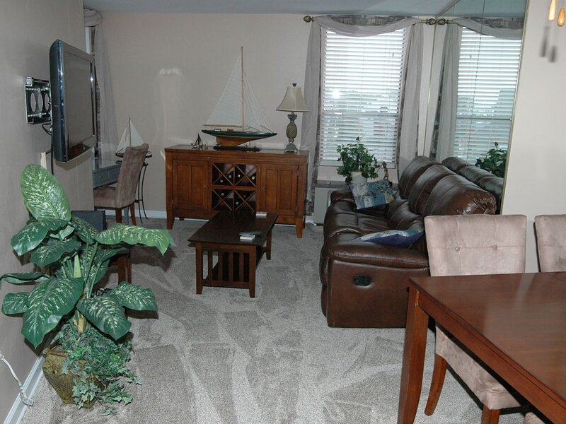 Beautiful Condo - Water View Near City Dock, vacation rental in Annapolis