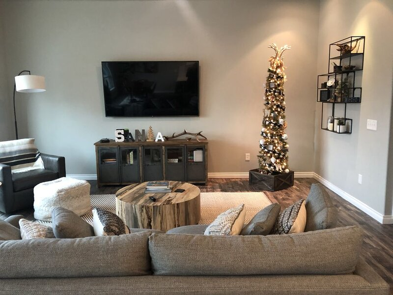 Urban condo featuring two bedrooms & two bathrooms located in DT Missoula., holiday rental in Huson