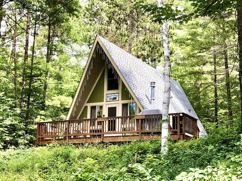 Little Peak Chalet by Whiteface Mountain & Ausable River, holiday rental in Wilmington