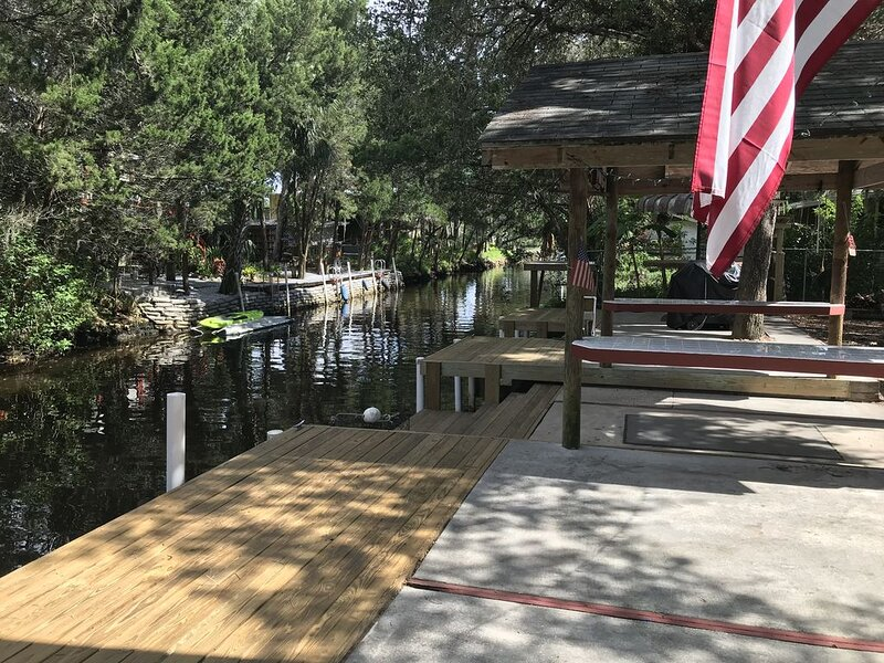 Otter Way, Waterfront Living, Fishing, Otters, Manatees, Dolphin, Old Homosassa, holiday rental in Homosassa
