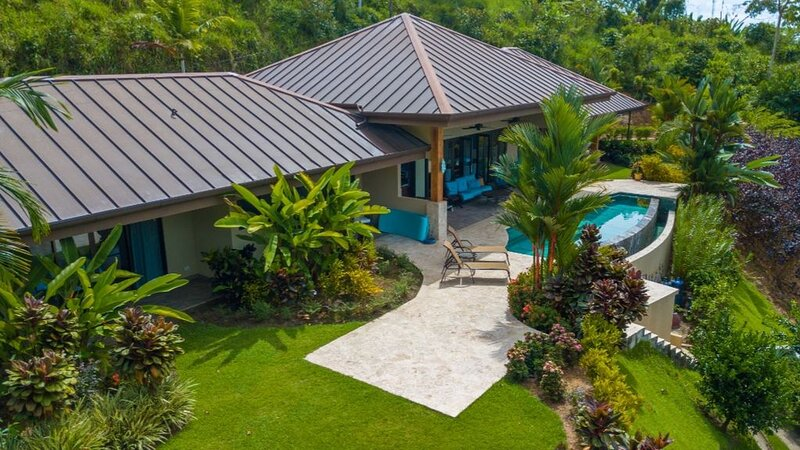 Luxury home w/ private infinity pool & incredible views - Pets welcome! – semesterbostad i Uvita