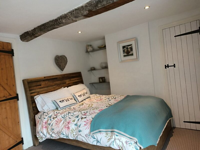 Beautiful 2 bedroom spacious Cottage in the heart of historic Richmond, holiday rental in Moulton