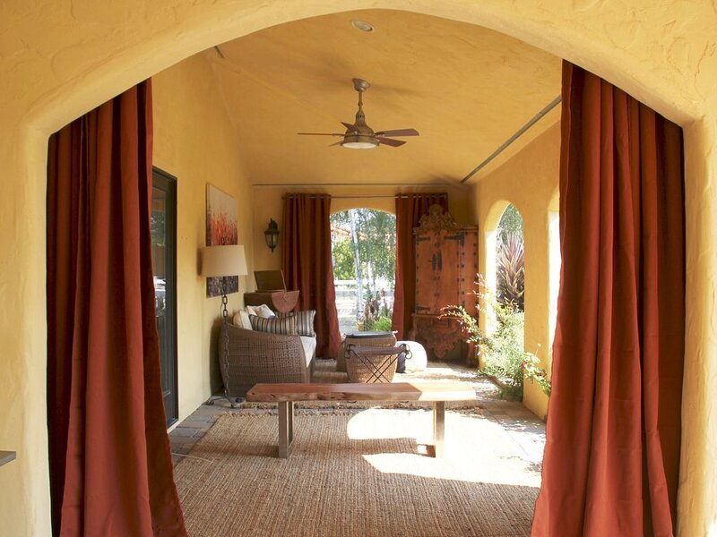 Your Own Private Resort Single Level Hacienda Estate, holiday rental in Los Olivos