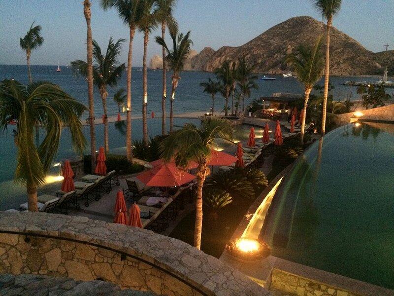 Cabohacienda1402  On Medano Beach walking distance to restaurants, holiday rental in Cabo San Lucas