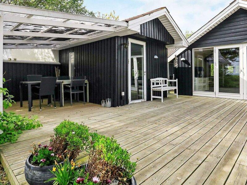 Secluded Holiday Home in Jutland with Terrace, aluguéis de temporada em Lihme