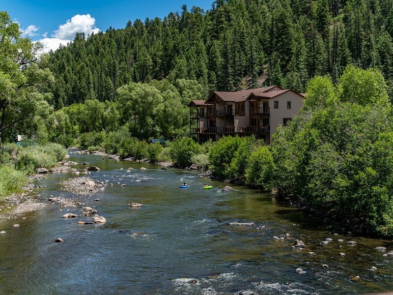 TranQuility. OnThe River. Fishing. Downtown. Hot Springs. Views., casa vacanza a Pagosa Springs