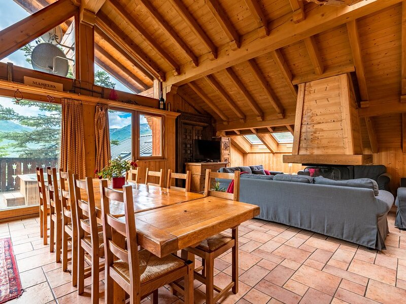 Chalet exceptionnel skis aux pieds, holiday rental in Les Bruyeres
