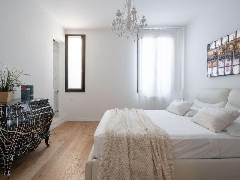 San Marco Square With Terrace - Appartamento per 6 persone a Venezia, aluguéis de temporada em Cannaregio