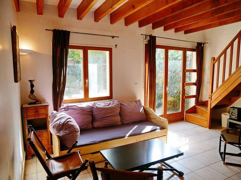 Maison de charme avec jardin, au pied du Mont Valérien, vacation rental in Chatou