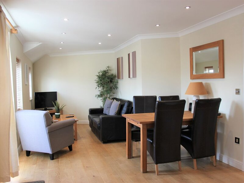 Smart 2 bedroom apartment at York Road, Newbury, location de vacances à Hampstead Norreys