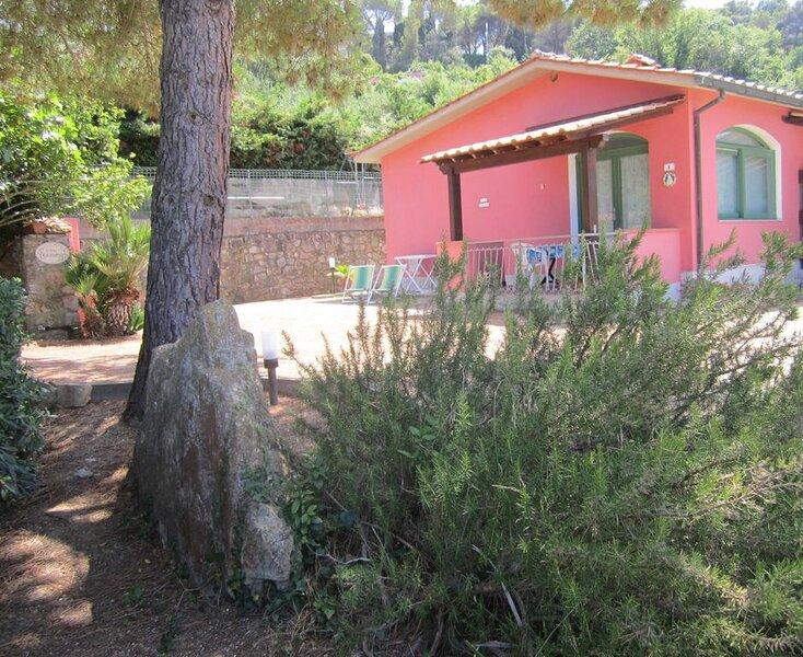 Villa Giuliana, appartamento piccolo Bilocale 3/4 Ptl., holiday rental in Gualdo a Capoliveri