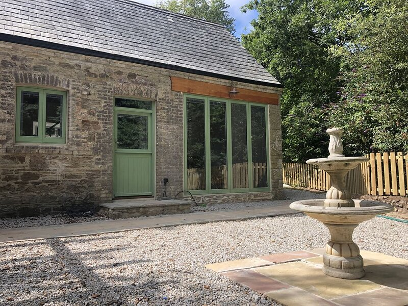 Beautifully restored Victorian Coachhouse, holiday rental in Penhallow