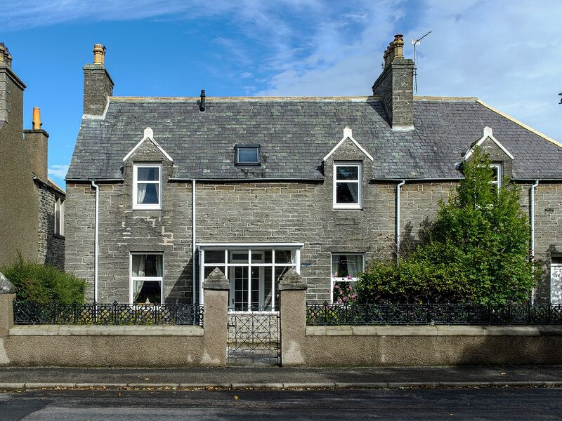 Charming Townhouse On North Coast 500 Route, Wick, vacation rental in Dunbeath